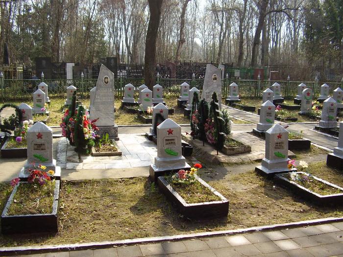 4-коминтерновское кладбище (700x525, 203Kb)