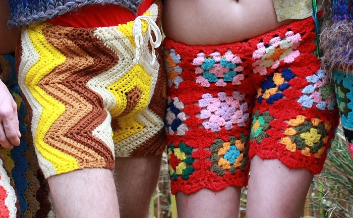 colorful-crochet-shorts-schuyler-ellers- (700x432, 283Kb)