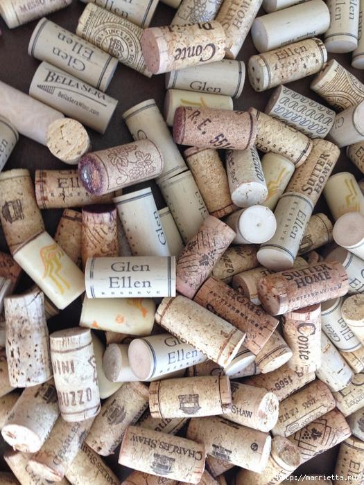 Панно ВИННАЯ БУТЫЛКА из винных пробок (1) (525x700, 360Kb)