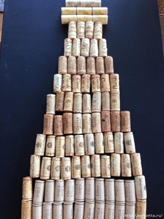 Панно ВИННАЯ БУТЫЛКА из винных пробок (7) (525x700, 292Kb)