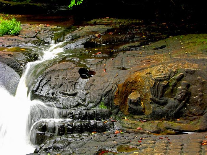 индустский храм на реке Кбаль Спеан комбоджа 2 (700x525, 488Kb)