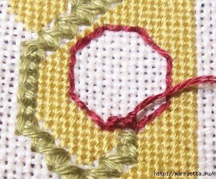 Спиральный шов в вышивке. Два фото мастер-класса (27) (437x362, 144Kb)
