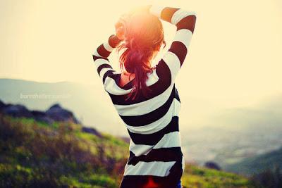 tumblr-girl-black-and-white-shirt_large (400x267, 29Kb)
