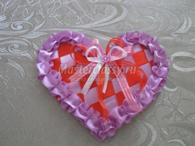 Сердце из атласной ленты своими руками