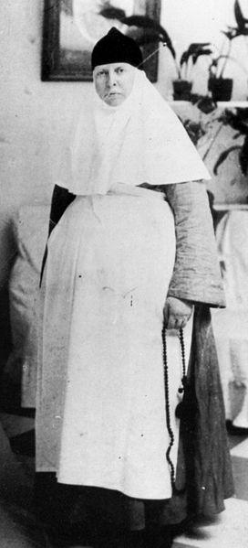 272px-Sister_Anastasia (272x599, 64Kb)