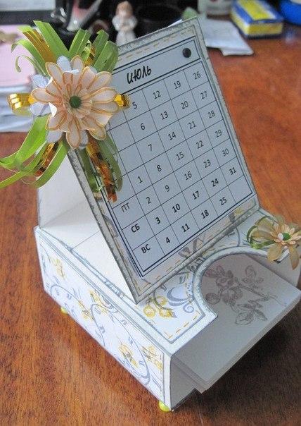 Подставка для календаря настольного своими руками