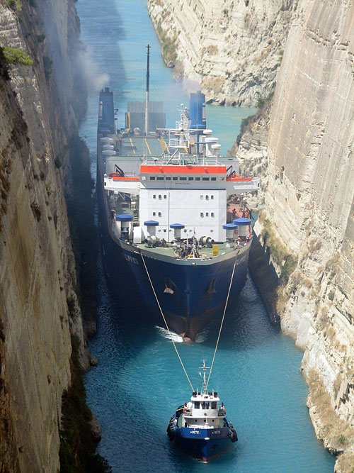 Ship-tugboat-Corinth-Canal-Greece (500x667, 87Kb)