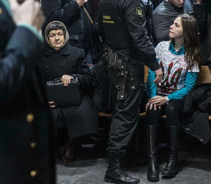 Мать и сестра Надежды Вера Савченко (694x605, 122Kb)