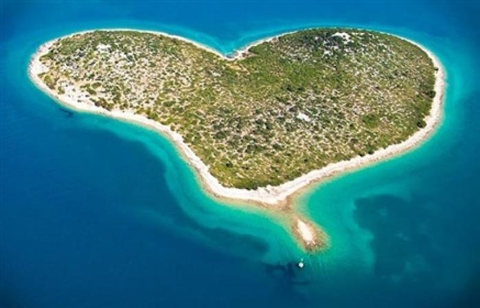 1. остров Галешняк (700x448, 250Kb)