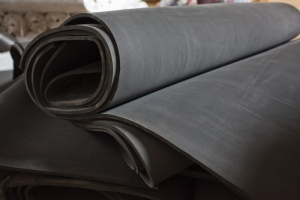 Губчатая резина листовая (300x200, 35Kb)