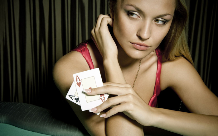 girl_play_in_the_poker (700x437, 238Kb)
