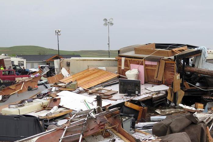 Фото: Торнадо в лагере нефтяников в Северной Дакоте