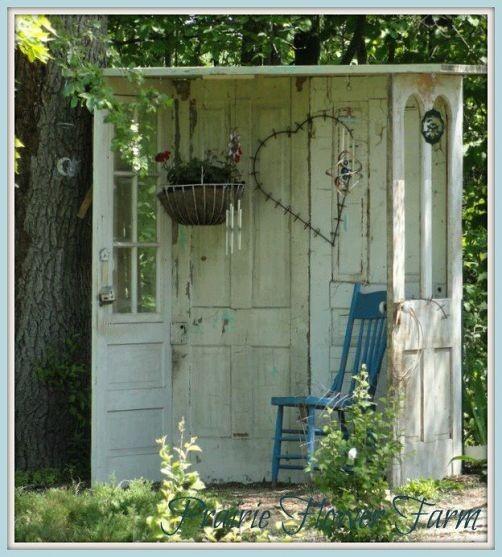 беседка из старых дверей (502x557, 243Kb)