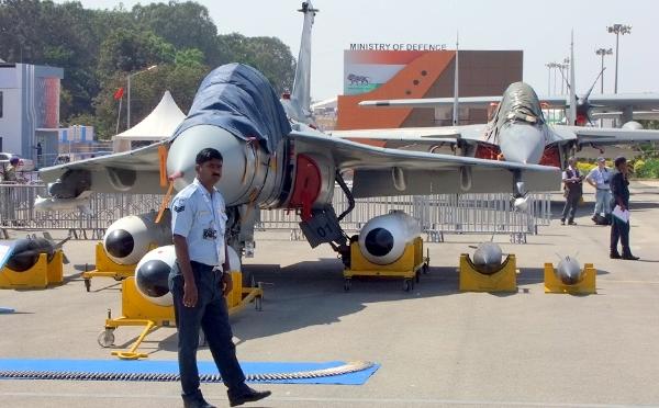 Выставка Aero India-2015 (600x372, 193Kb)