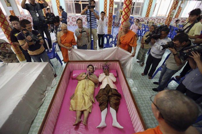 свадьба в гробу таиланд 7 (700x466, 322Kb)