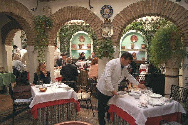 3085196_ispanskii_restoranchik (640x426, 69Kb)