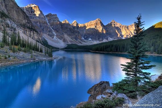 5745884_Dolina_Desyati_pikov_ozero_Morein_Alberta_Kanada (570x379, 188Kb)