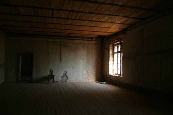 Страшная пустая комната