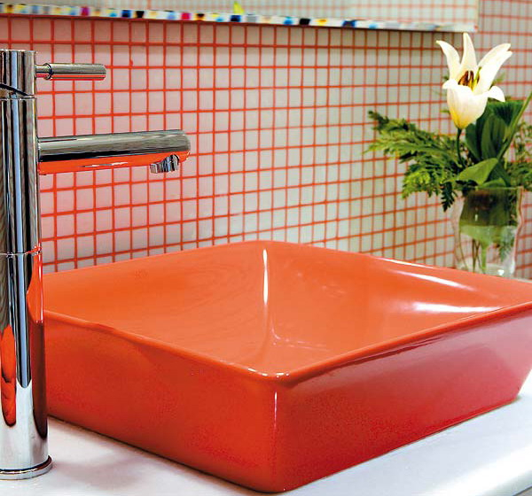 splash-of-exotic-colors-for-bathroom-orange2-3 (600x560, 325Kb)