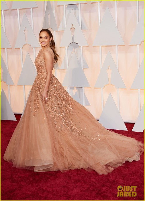 jennifer-lopez-oscars-2015-red-carpet-04 (506x700, 76Kb)