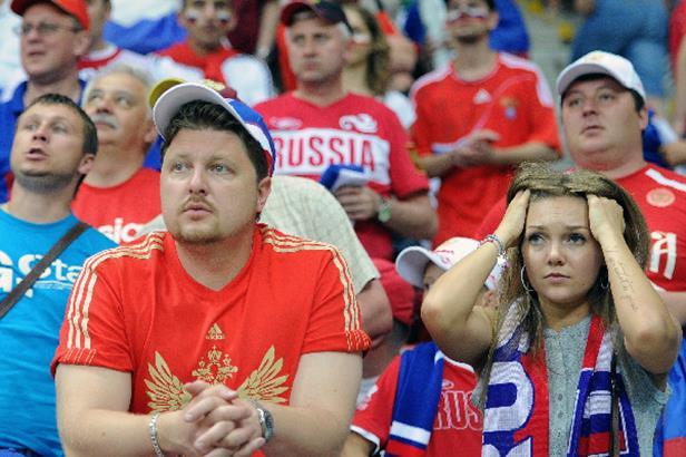 Почему люди эмигрируют из России? Основные причины