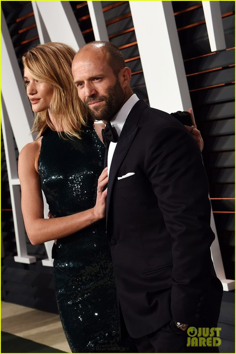 rosie-huntington-whiteley-jason-statham-vanity-fair-oscars-2015-07 (467x700, 73Kb)