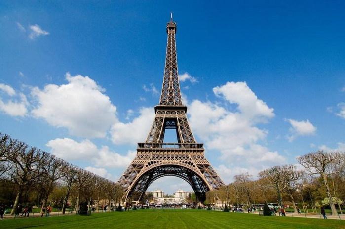 Эйфелева башня (700x464, 83Kb)