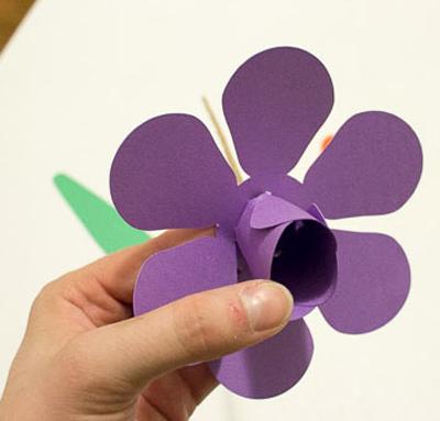 Детское творчество к 8 марта. Тюльпаны из бумаги (4) (400x383, 104Kb)
