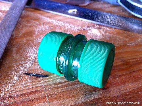 Водонепроницаемая емкость из пластиковых бутылок (4) (500x374, 215Kb)