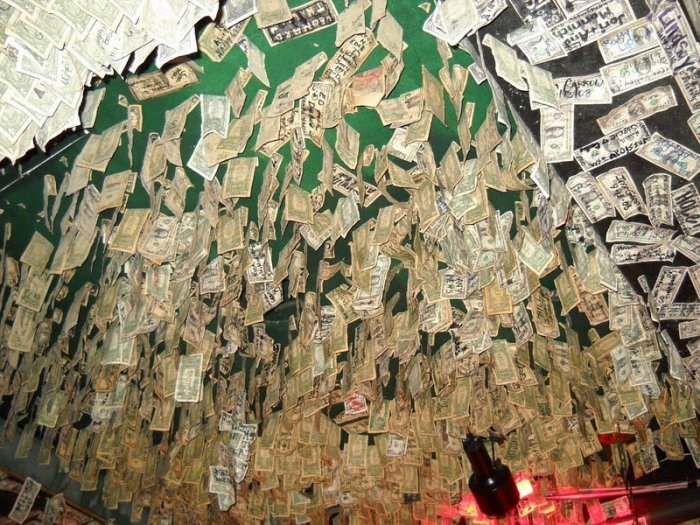 McGuire's Irish Pub долларовый интерьер ирландского паба 8 (700x525, 464Kb)