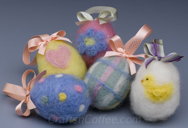 diy-felted-easter-eggs (640x437, 173Kb)