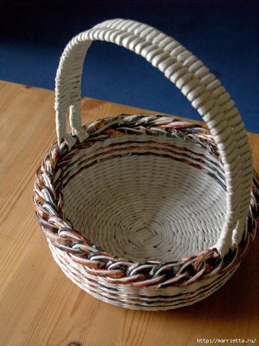 Плетение простых корзинок из газетных трубочек (5) (525x700, 249Kb)