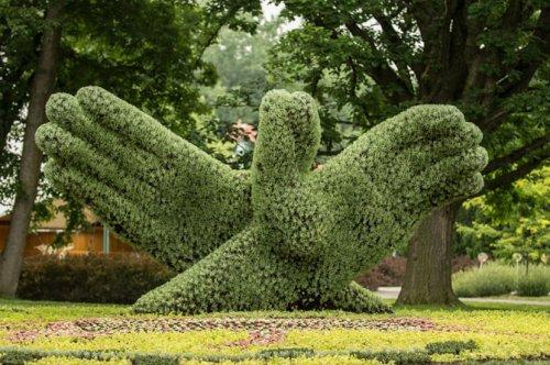 1374069980_cvetochnye-skulptury-9 (500x332, 202Kb)
