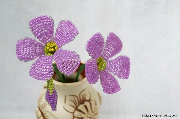 нежные цветы из бисера (5) (600x396, 125Kb)