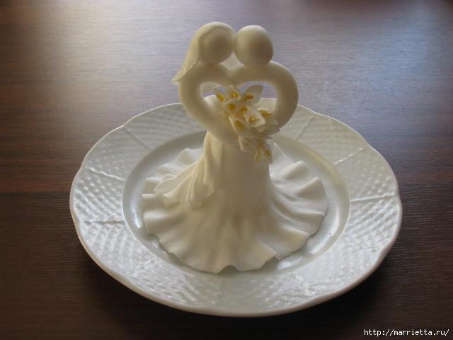 Свадебный колокольчик из марципана (23) (640x480, 104Kb)
