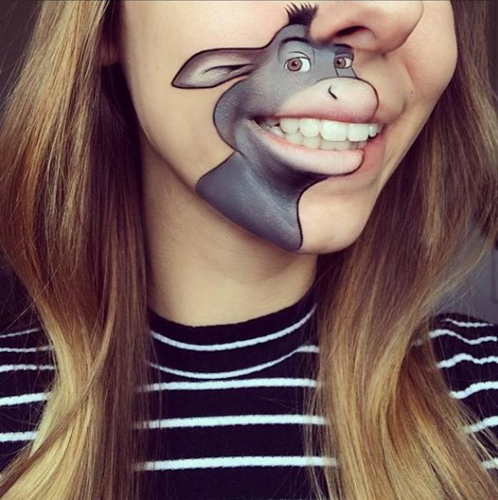 прикольный боди-арт на губах Лауры Дженкинсон 2 (697x700, 406Kb)