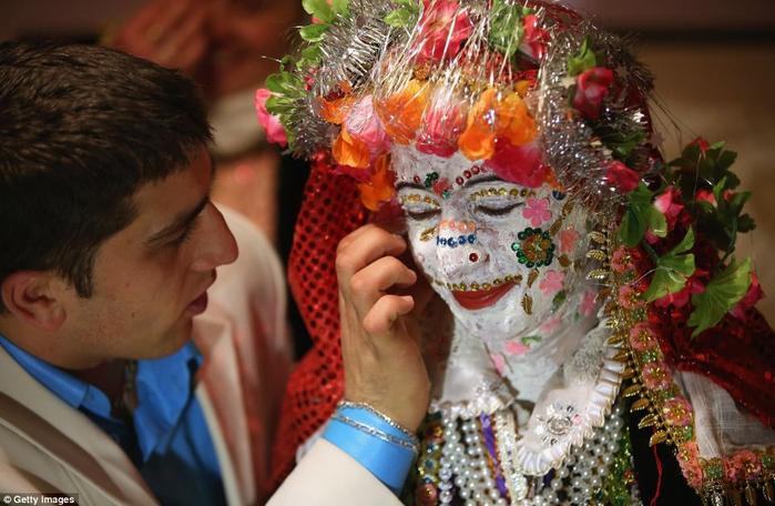 традиционная болгарская свадьба 5 (700x456, 359Kb)