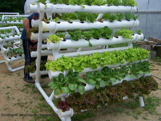 FabArtDIY-PVC-Gardening-Ideas-and-Projects-PVC-Verticle-Planter (560x421, 293Kb)
