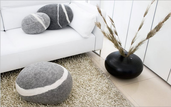 stone-pillow-cushions-and-carpets-for-your-home-o (700x438, 230Kb)