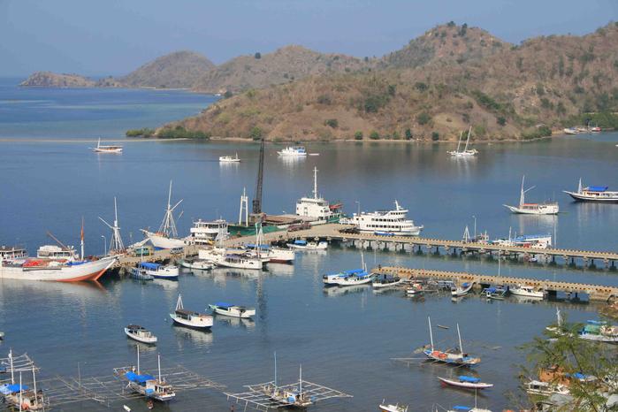 Flores-Labuan-Bajo-harbour-620x378 (700x466, 381Kb)