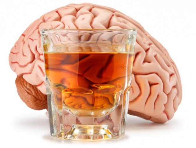 Алкоголь и мозг/1783336_lecheniehronicheskogoalkogolizma (673x506, 195Kb)