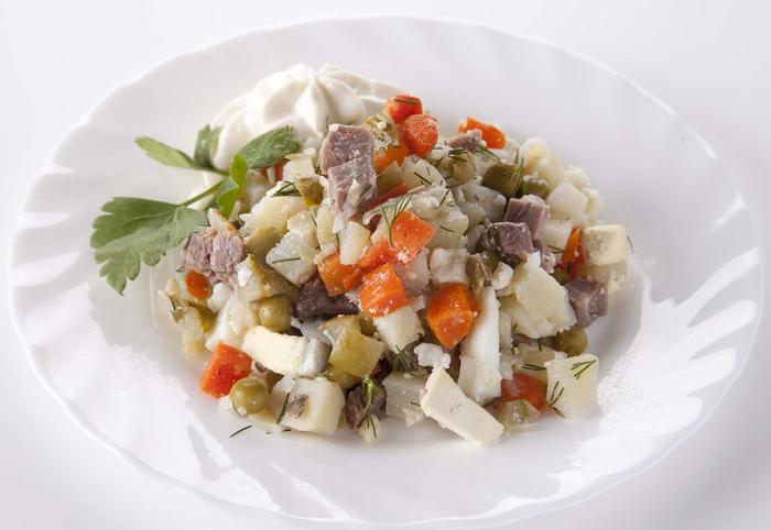 салат столичный' (700x482, 230Kb)
