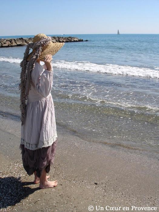 3g-Un-dimanche-Г-la-plage-UnCoeurenProvenceВ© (525x700, 398Kb)