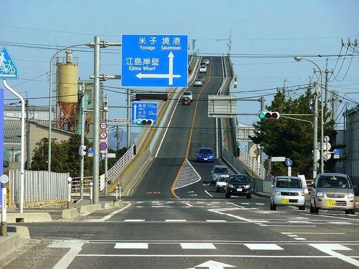 http://img0.liveinternet.ru/images/attach/c/0/121/214/121214068_most_Eshima_Ohashi_Bridge_6.jpg