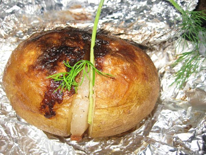 Печеная картошка фольге рецепт фото
