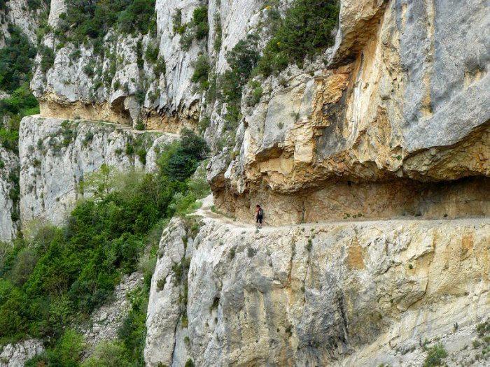 горное ущелье Монт-Ребеи Испания 4 (700x525, 495Kb)