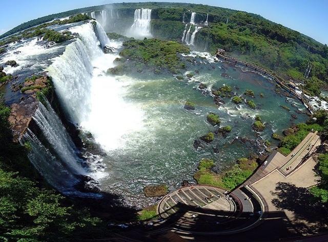Диабло также примечательны водопады