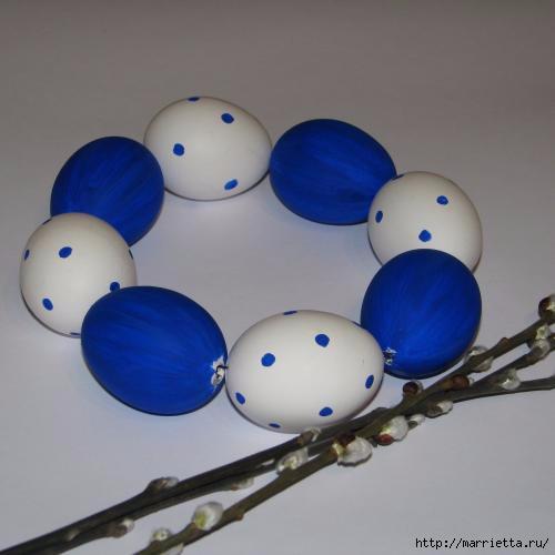 Синий пасхальный венок из яиц (6) (500x500, 69Kb)