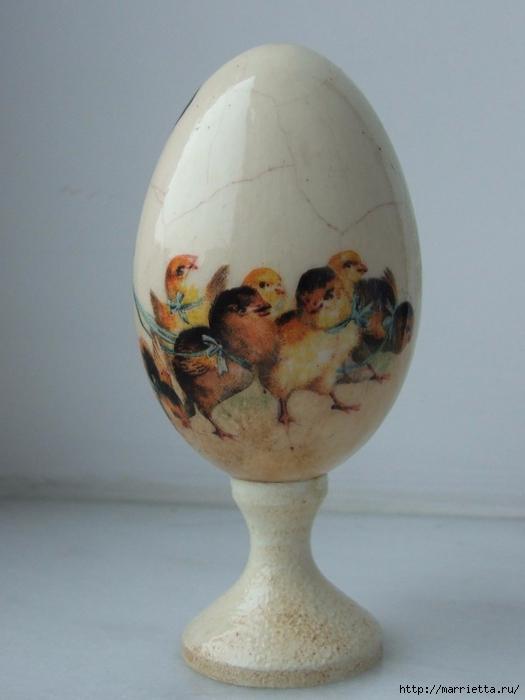 Сувенирные пасхальные яйца в технике декупаж (2) (525x700, 180Kb)