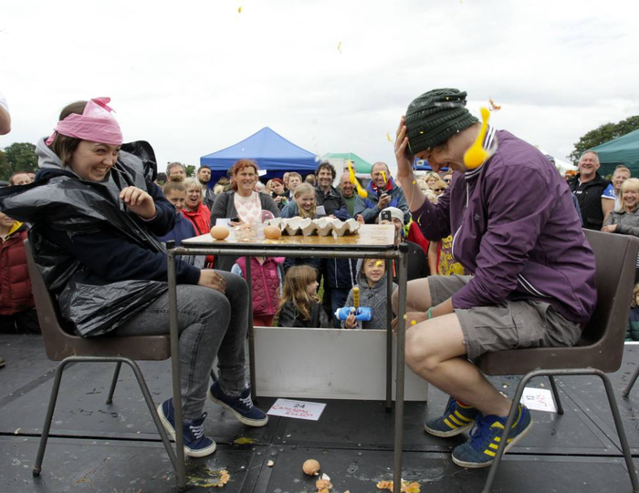чемпионат по метанию яиц фото 1 (700x541, 302Kb)